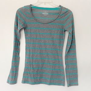 ★ XHILARATION | STRIPPED LONG SLEEVE CASUAL SCOOP
